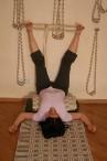 Поза с ногами, опирающимися о стену (Випарита Карани) вариация